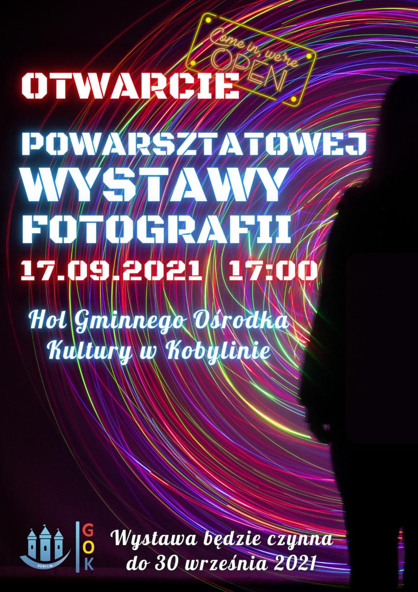 Plakat informujący o otwarciu wystawy powarsztatowej w gminnym ośrodku kultury w kobylinie